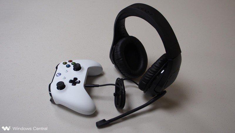 Casque HyperX et manette Xbox