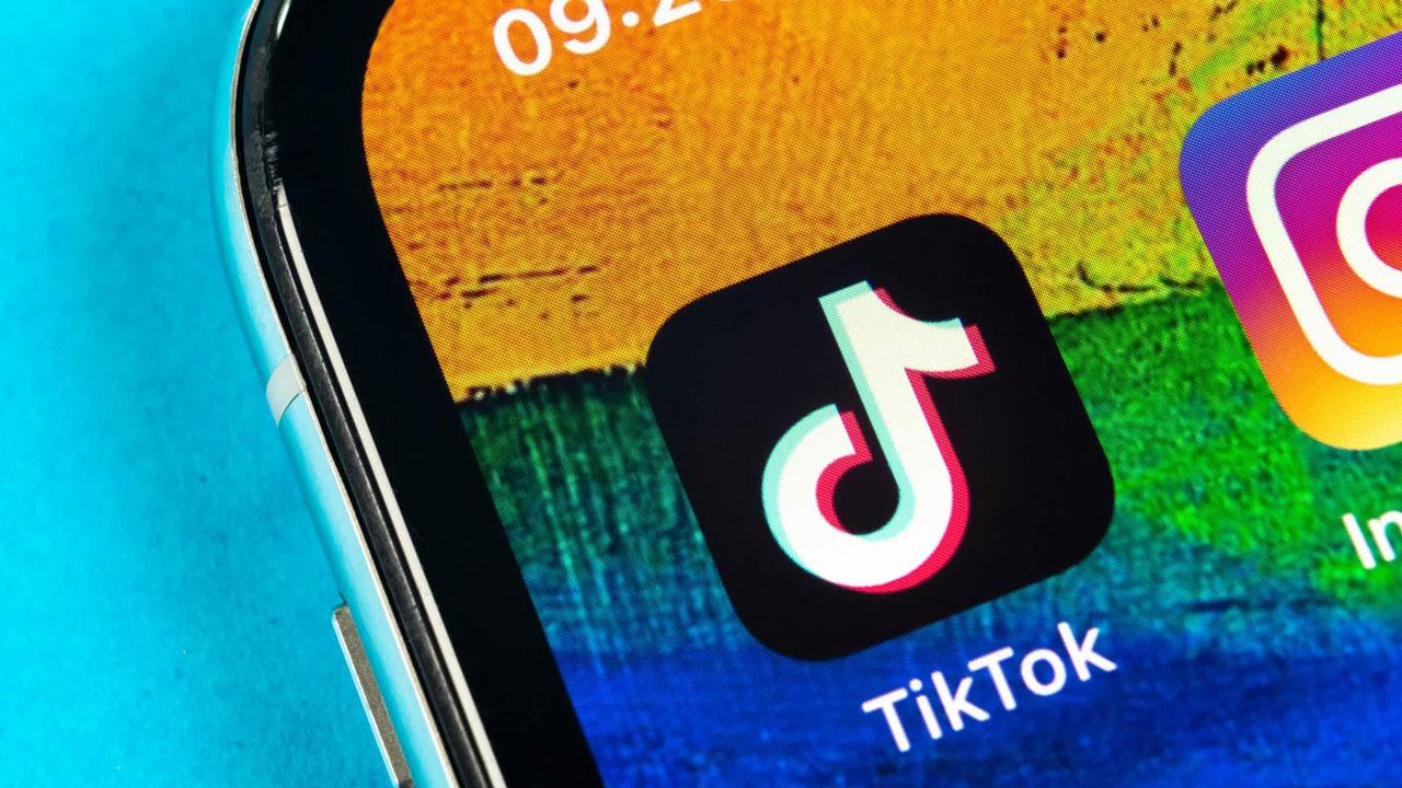 TikTok pourrait dépasser le nombre d'abonnés et de visites sur Instagram en tant que réseau social