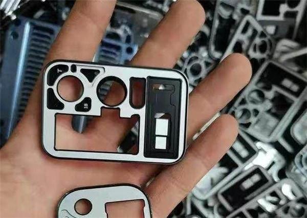 Conception du compartiment appareil photo des Xiaomi Mi 11 Pro et Mi 11 Ultra.
